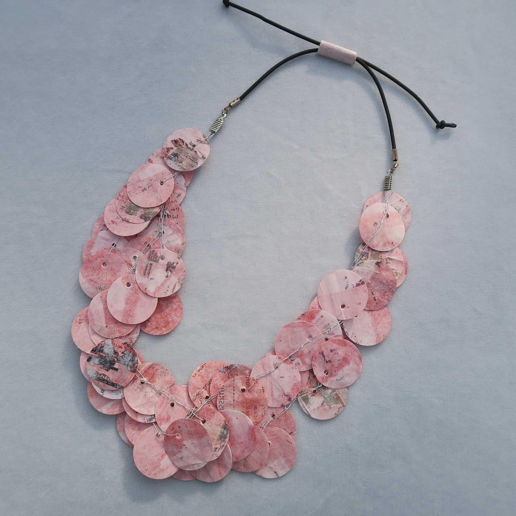 rose collier 3 lagen © Anne-Riet de Boer